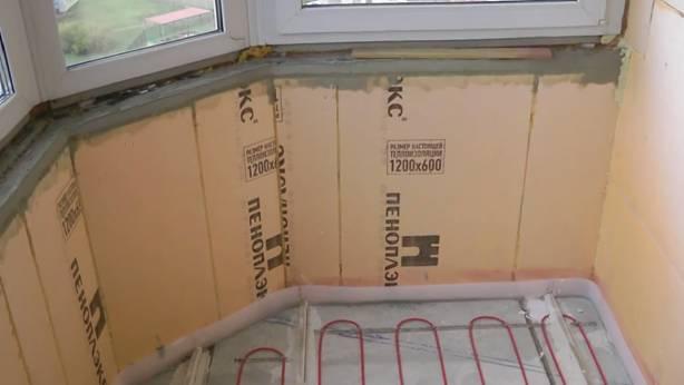 Демпферная лента на утеплённом пеноплексом балконе